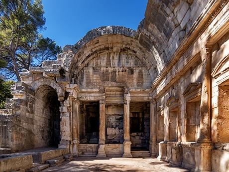 Temple-de-Diane-Nimes_460x345pxl